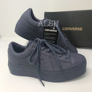 Convers One Star Platform OX Leather Light CarbonW